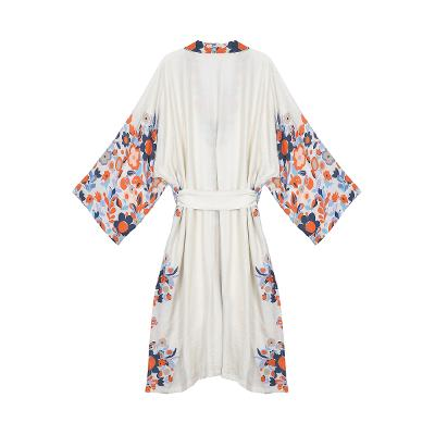 flower pointed robe white